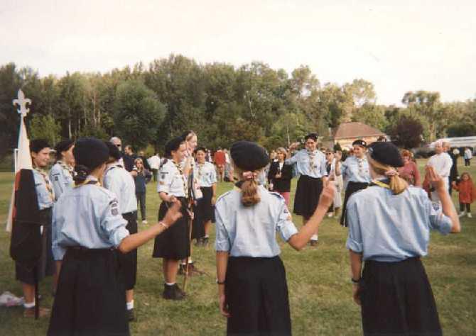 Rentrée 1997, Titi reçoit le staf de la patrouille des Espadons. Une année de CP qui commence...
